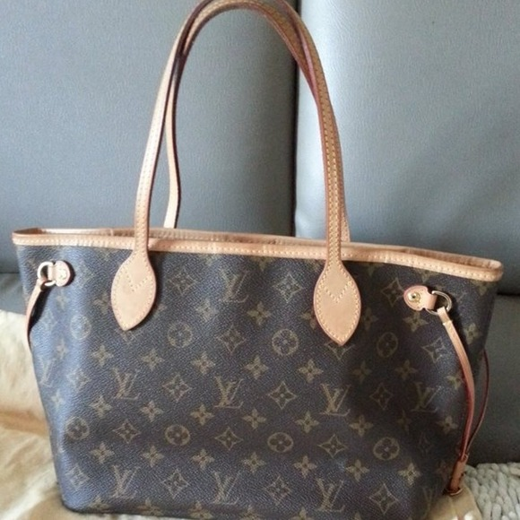 7f68429e1 Louis Vuitton Handbags - Authentic LOUIS VUITTON MONOGRAM NEVERFULL PM
