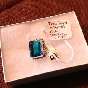 Jewelry - Teal Emerald Stone Ring