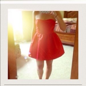 Dresses & Skirts - Red strapless Party Dress