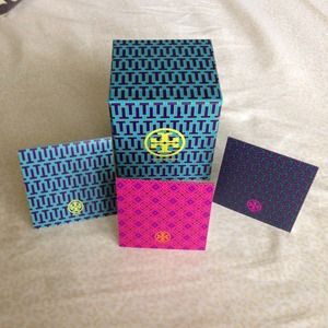 Tory Burch Accessories - 🚫SOLD...Tory Burch Card Set🚫