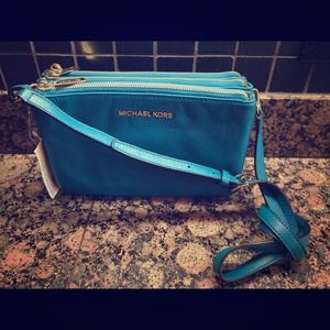 ❌SOLD @kakkikity❌MK Bedford Gusset Turquoise Purse