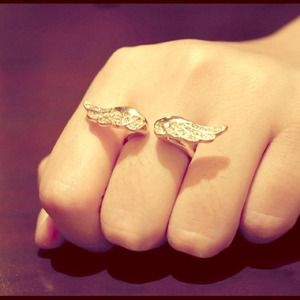 Angel Wing Rhinestone Ring