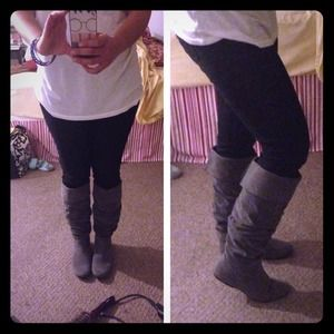 ❌❌BUNDLED❌❌Gray slouchy boots!!