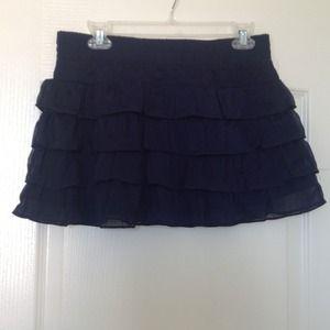 Dresses & Skirts - NWOT layered skirt -L
