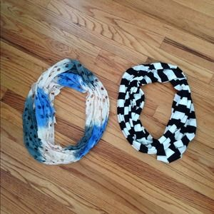 Accessories - Bundle with two infinity scarves.
