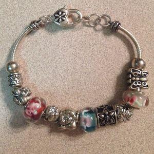 Jewelry - Charm bracelet🎀