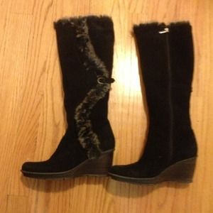 SoldAquatalia suede boots