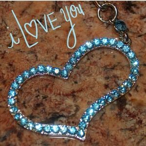 Jewelry - Lovely Blue Crystal Heart Keychain
