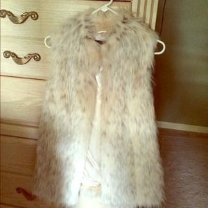 Rachael Zoe XS Faux Fur Vest Beautiful NWOT