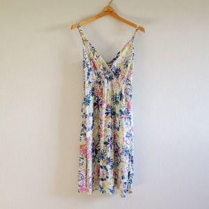 Cinnamon Girl Dresses & Skirts - Cinnamon Girl blue floral dress.