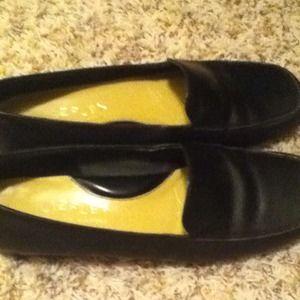 Black Liz Claiborne shoes