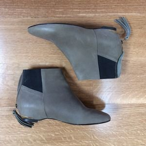 80%20 Boots - Hidden wedge taupe booties