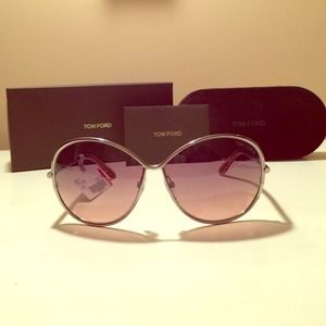 🎉HP🎉 Authentic Tom Ford Iris sunglasses!