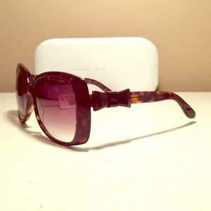 🎉2x HP🎉Authentic Marc Jacobs sunglasses