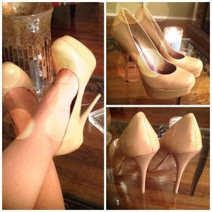 Steve Madden Natural Tan Patent Pumps