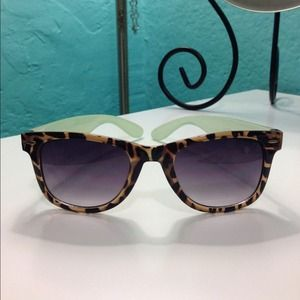 Forever 21 Accessories - Fun animal print sunglasses!
