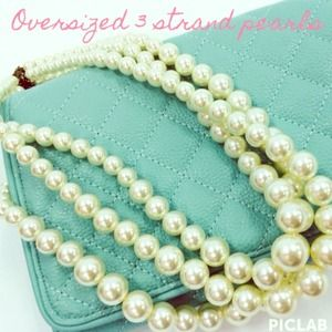 Forever 21 Jewelry - Oversized 3 strand costume pearls