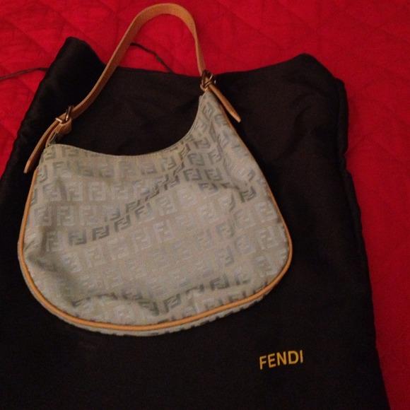 FENDI Handbags - Small used Fendi bag 57b28a53afa94