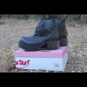 Brand new Jeffrey Campbell VING ankle boots