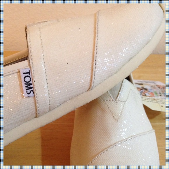 white toms for women 17a6066b14