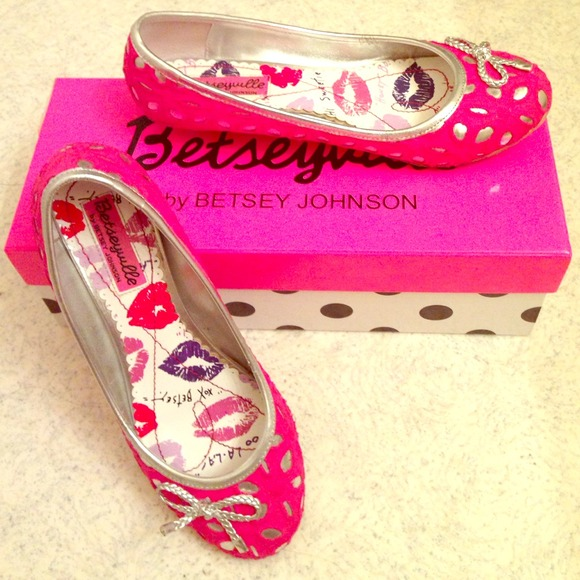 70 betsey johnson shoes betsey johnson betseyville