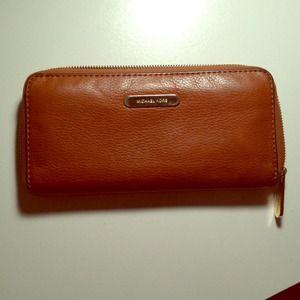 Michael Kors chestnut zippy wallet
