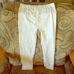 White spandex stretch capris