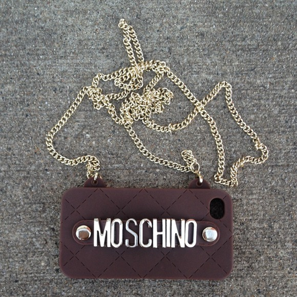 moschino Accessories - ️🎉HOST PICK🎉New Moschino Iphone 4/4S Choc Case!