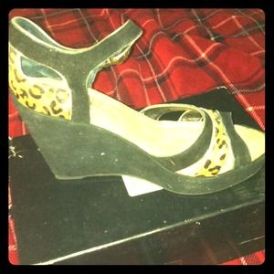 NIB SAM EDELMAN wedges