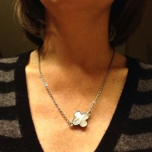 """Jewelry - NWOT Mother of Pearl 16"""" necklace."""