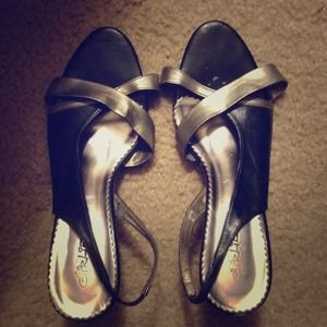 Shoes - Two tone sandals