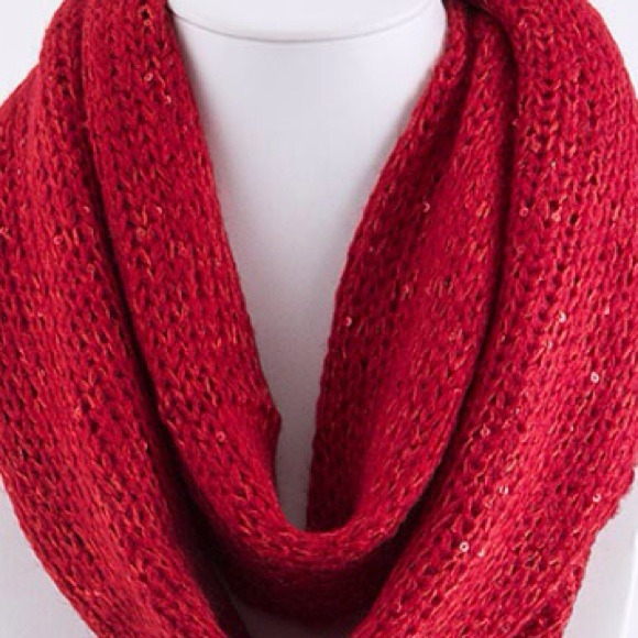Black Knitted Infinity Scarf Knit Infinity Scarf/red