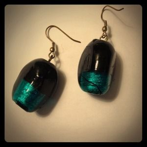 Jewelry - Green and black Glass earrings