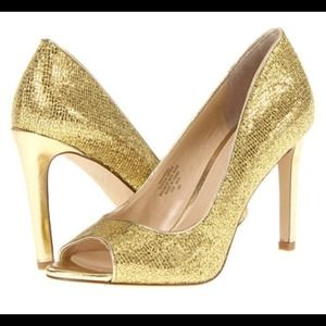 REDUCED! NWT Enzo Angiolini gold pumps