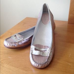  NWOT Cole Haan Leather Flats  ON SALE!!