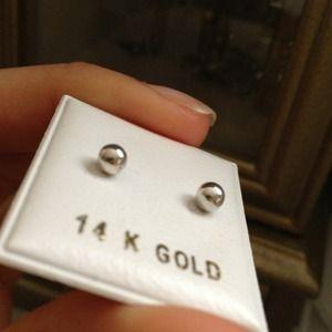 Jewelry - 14k white gold earrings
