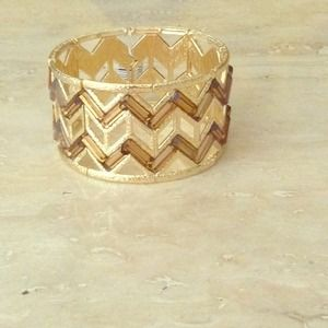 Reduced Gold Zig-zag Bracelet