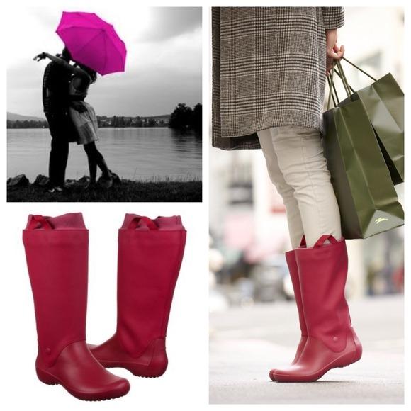 ON HOLD Sz 9 Crocs Pink Rainflo Rain boots <input type=