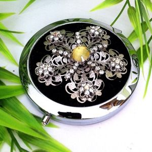 Accessories - New! Gorgeous-Compact Mirror