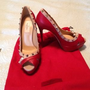 Valentino Shoes - 🎉Host Pick🎉Valentino rockstud pump