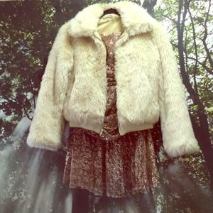 Fabulous Vintage Faux Fur Bomber Coat in Cream
