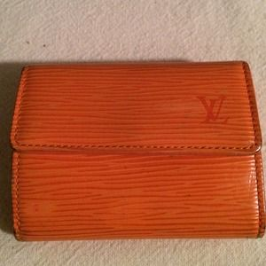 Authentic Louis Vuitton Epi Leather Wallet
