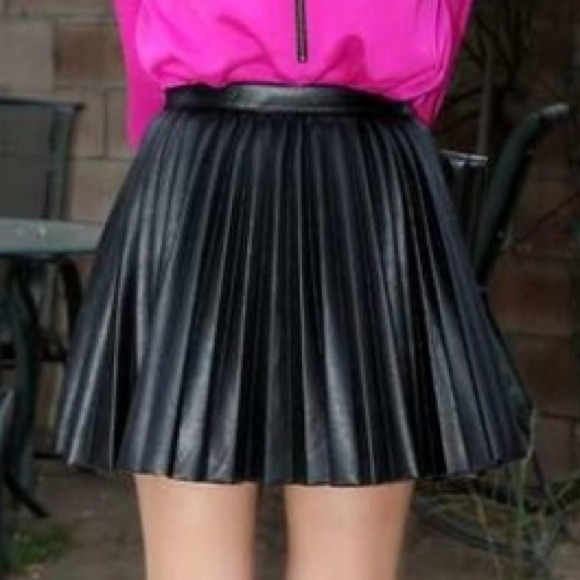 H&m Pleated Leather Look Skirt
