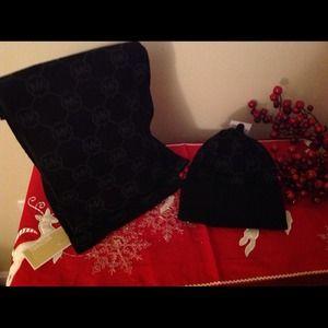 Closet Sale❤️Sale-MKors Black monogram Scarf/ Hat