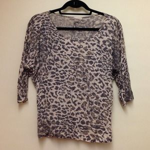 Forever 21 Tops - F21 relaxed leopard shirt 3/4 sleeve