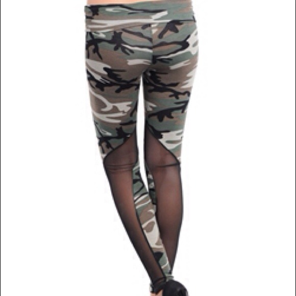 📍FINAL PRICE CUT📍Camouflage and mesh leggings. L from Sarah's ...