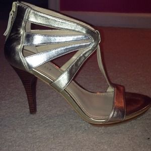 Nine West size 9.5 never worn. GREAT DEAL!