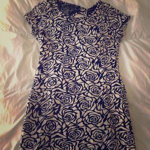 Dresses & Skirts - Black and white flower power dress.