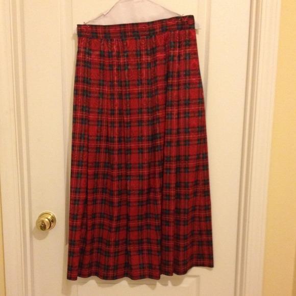 bonnie & norma - Christmas plaid skirt. from Vs's closet on Poshmark
