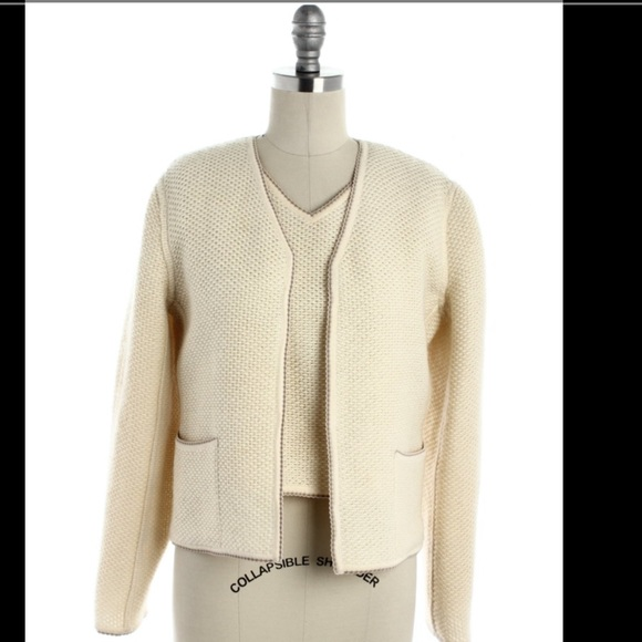 Chanel Ivory And Grey Sweater With Fur Cuffs: CHANEL Ivory Twin Set 38 Vintage